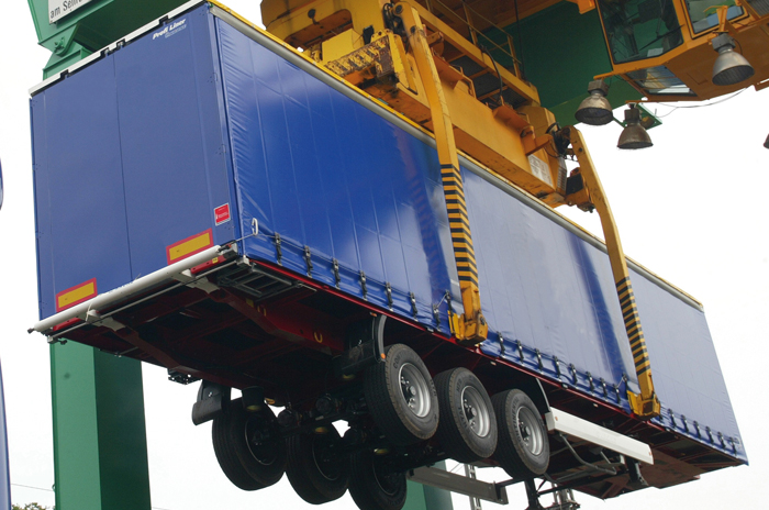 RAIL-ROAD-CURTAIN-TRANSPORT-TARPAULIN